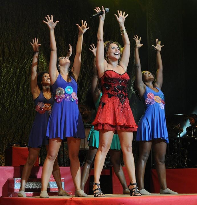 Daniela Mercury durante coreografia em um show na Argentina (Foto: Arquivo Pessoal )