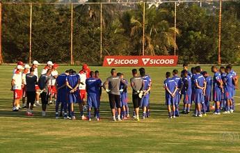 Técnico do Vila tem dúvida para lugar de Jean Carlos contra o Atlético-GO