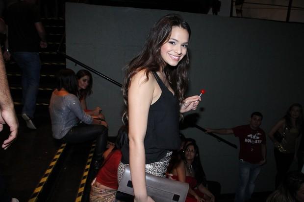 Bruna Marquezine em show de Anitta (Foto: Thyago Andrade / FotoRioNews)