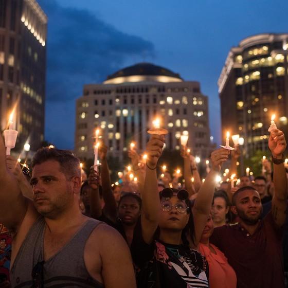 manifestações pró-gays pós atentados em boate na Flórida (Foto: Drew Angerer/Getty Images)
