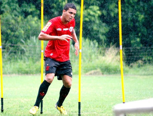 Ramon no treino do Flamengo (Foto: Maurício Val / Vipcomm)