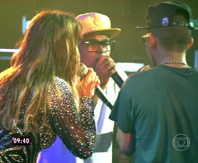 Ivete convida Lucas e Orelha para cantarem com ela em show (Foto: TV Globo)