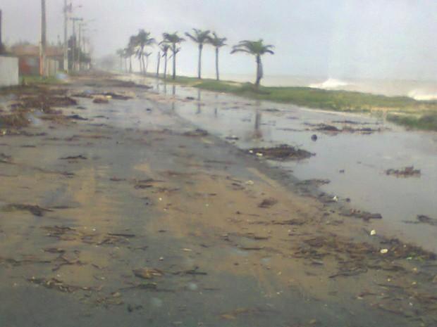 Ressaca no Farol de São Tomé (Foto: Benedito Monteiro/Arquivo Pessoal)
