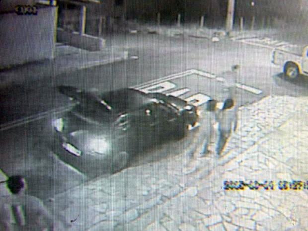 Câmeras de segurança flagraram momento de morte de adolescente em Três Corações (Foto: Reprodução EPTV)