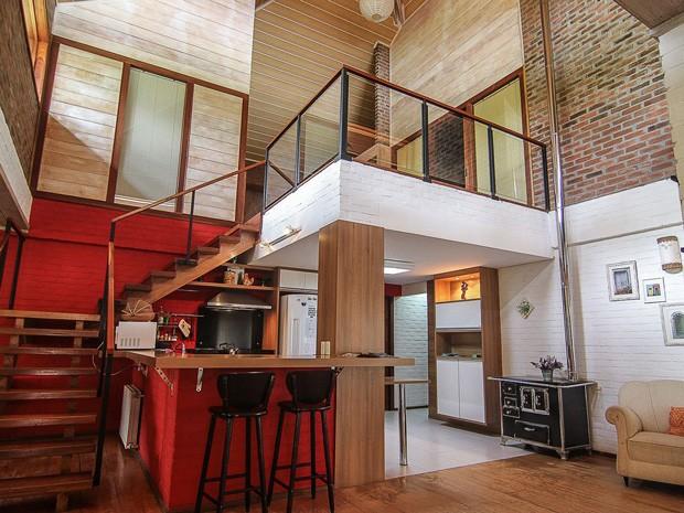 A Quinta dos Janssen, disponível para aluguel, conta com quiosque para churrascos (Foto: Divulgação / AlugueTemporada)