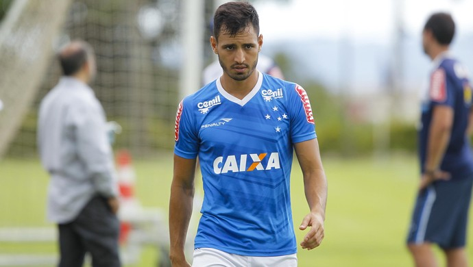 Sánchez Miño no treino do Cruzeiro (Foto: Washington Alves/Light Press)