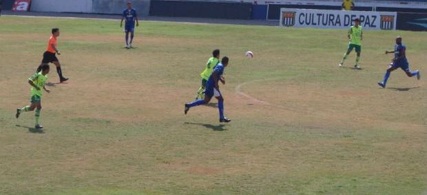 São José enfrenta Palmeiras B pela Copa Paulista (Foto: Aline Oliveira)