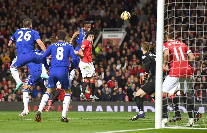 Drogba lance do gol, Manchester United x Chelsea (Foto: Getty Images)