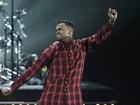Em meio a problemas com a Justiça, Chris Brown se apresenta em prêmio