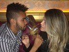 Dani Souza e Dentinho comemoram dois anos de casados com jantar