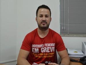 Jailton de Jesus Costa, presidente do Adufs (Foto: Tássio Andrade/G1)