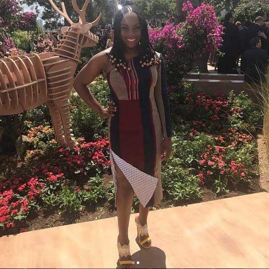 Chimamanda Nguzi usa vestido da grife Ladunni Lambo (Foto: Reprodução Instagram)
