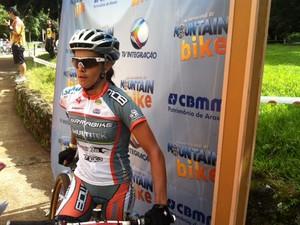 Roberta Stopa, vencedora da prova Sprint Eliminator em Araxá (Foto: Felipe Santos/GLOBOESPORTE.COM)