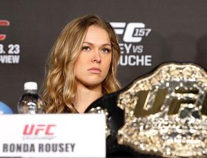 Ronda Rousey na coletiva do UFC (Foto: Divulgação / UFC)