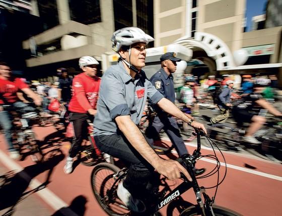 O  prefeito Fernando Haddad durante inaguração da ciclovia da avenida Paulista, (Foto:  )