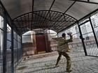 Protesto em embaixada russa de Kiev pede libertação de piloto detida