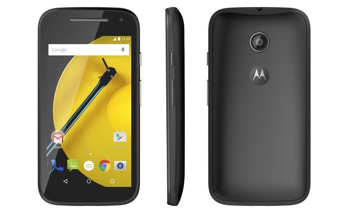 Moto E 2015 tem tela de 4,5 polegadas e corpo feito de plástico (Foto: Divulgação/Motorola)