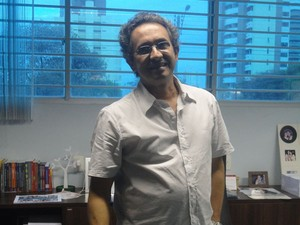George Mendes é primo e curado da obra de Torquato Neto (Foto: Pedro Santiago/G1)