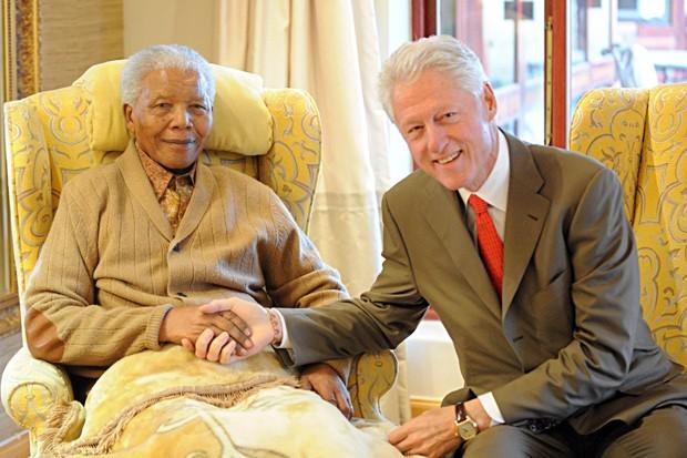 clinton e mandela (Foto: Peter Morey/AP)