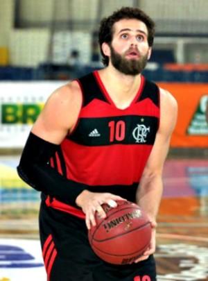 Com 17 pontos, Rodrigo foi um dos destaques da vitória do Fla (Foto: Raphael Oliveira/LNB)