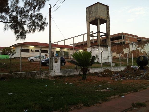 Complexo Penal João Chaves, na Zona Norte de Natal, foi interditado e não pode receber novos presos (Foto: Caroline Holder/G1)