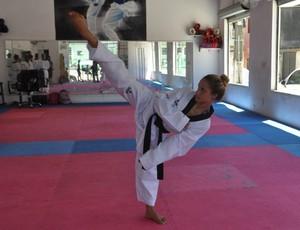 Kelly Santos Cardoso Soares taekwondo Guarujá (Foto: Divulgação / Prefeitura de Guarujá)