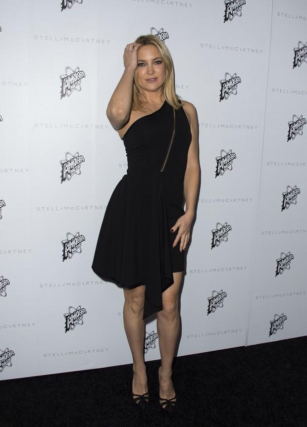 Kate Hudson em evento de moda em Los Angeles, nos Estados Unidos (Foto: Valerie Macon/ AFP)