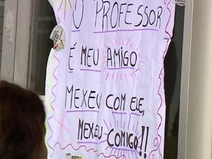 Professores recebem apoio dos alunos na greve (Foto: RBS TV/ Reprodução)