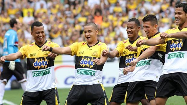 Wellington Paulista gol Criciúma (Foto: Fernando Ribeiro / Ag. Estado)