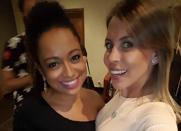 Aretha Oliveira e Mariane Oliva, as ex-chiquititas Pata e Marian (Foto: Reprodução/Facebook)