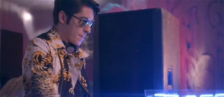 Dj Boss In Drama agita a pista com muita música no clipe de 'Lista VIP' (Foto: Reprodução)