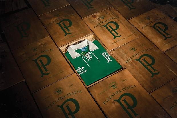 Adidas Originals homenageia centenário do Palmeiras com camisa retrô ... c39ff0232567b