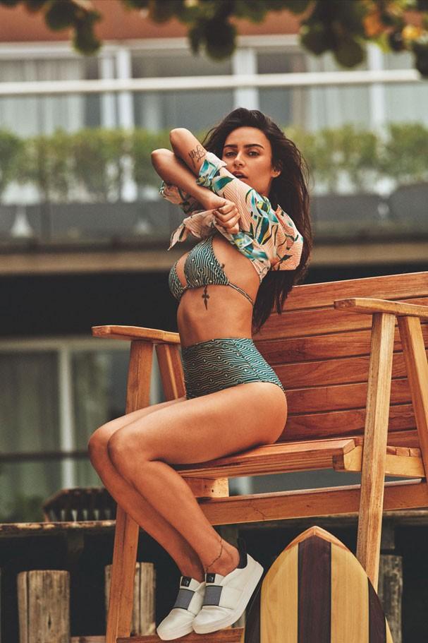 Thaila Ayala posa para campanha de uma linha de moda praia (Foto: Fabio Bartelt)
