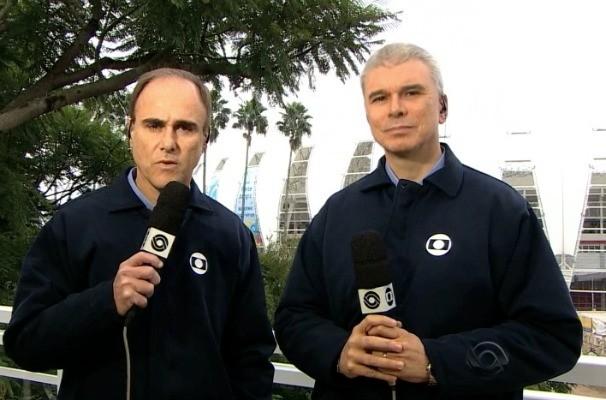 Paulo Brito e Maurício Saraiva participaram do Jornal do Almoço direto do estúdio de vidro da RBS TV (Foto: Reprodução/RBS TV)