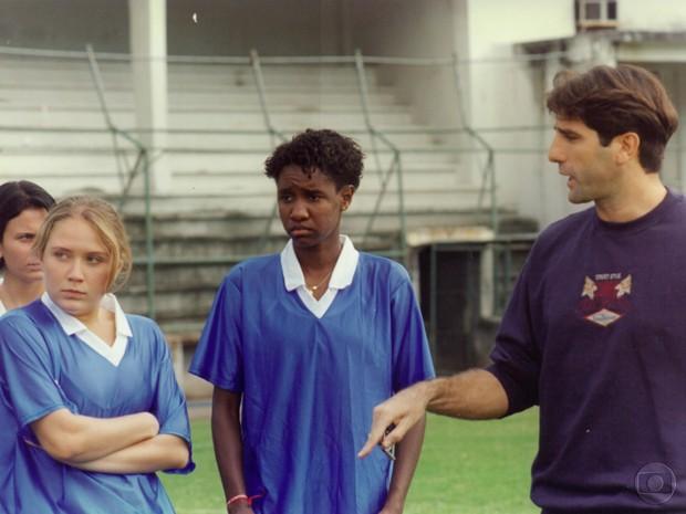 Rachel Ripani, como jogadora de futebol, grava com Renato Gaúcho (Foto: CEDOC / TV Globo)