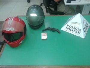 A arma apreendida pela polícia foi encaminhada à delegacia de Caratinga. (Foto: Divulgação/PM)