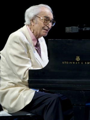 Dave Brubeck durante performance na 30ª edição do festival de jazz de Montreaux, em 2009 (Foto: The Canadian Press, Paul Chiasson/AP)