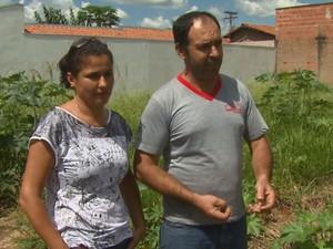 Terreno de técnica em enfermagem foi vendido por golpistas em São Carlos (Foto: Marlon Tavoni/ EPTV)