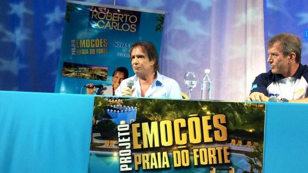 Roberto Carlos e o empresário Dody Sirena (Foto: Priscila Bessa / Ego )