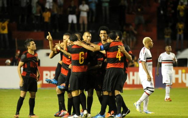 sport x santa cruz (Foto: Antônio Carneiro / Pernambuco Press)