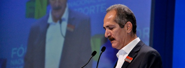 Ministro Aldo Rebelo no 2º Fórum Nacional do Esporte (Foto: Marcelo Prado / globoesporte.com)