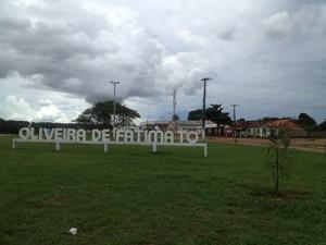 Oliveira de Fátima - entrada cidade (Foto: Bernardo Gravito/G1)