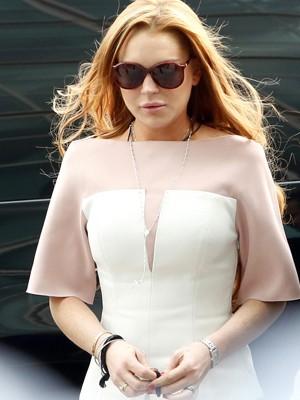 Lindsay Lohan chega para julgamento em Los Angeles (Foto: Reuters/Patrick T. Fallon)