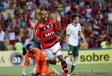 Atual maior algoz do Flu, Alecsandro tenta primeiro gol no clássico pelo Fla