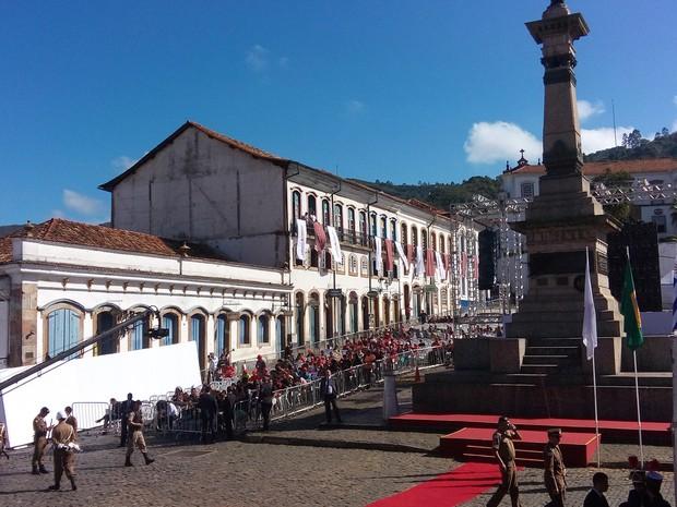 Capital de Minas Gerais é transferida para Ouro Preto neste Dia de Tiradentes, quando o governador Fernando Pimentel (PT) entrega Medalhas da Inconfidência (Foto: Alex Araújo/G1)
