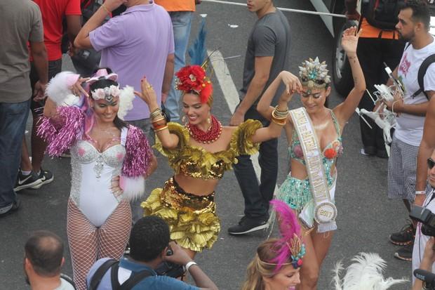 Leticia Lima, Isis Valverde e Thaila Ayala (Foto: Marcos Fernandes/ Agnews )