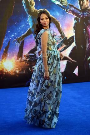 Zoe Saldana em première de filme em Londres, na Inglaterra (Foto: Carl Court/ AFP)