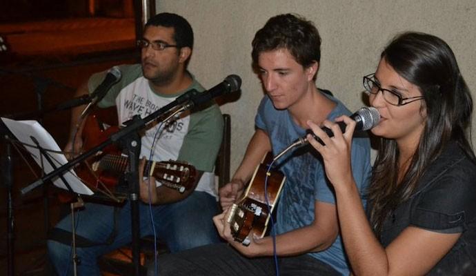 Trio de 3 cantava nos bares da cidade de Uberaba  (Foto: Arquivo Pessoal)