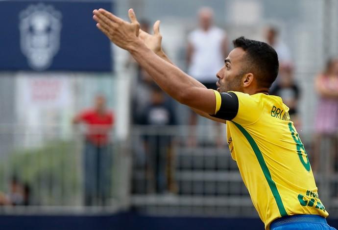 Bruno Xavier marcou quatro gols e comandou o Brasil na vitória sobre o Chile  (Foto: Marcello Zambrana / DGW)