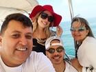 Wesley Safadão presenteia motorista e mulher com viagem para Dubai